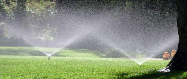 automatisch-tuin-sproeien-600x254-1